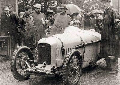 1926 07-08 08 Course de Côte Internationale du Klausen (le Ventoux Suisse) GP de la Montagne 21,5 km. Amilcar 6 cyl. 1100 C.O. 1er Morel en 19'15''. (Edmond Moyet en chapeau). 2