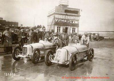 1927 14-15 08 Meeting du 1er GP de Paris de 24 h. Linas-Montlhéry. Course des 1100, Amilcar MCO GH, 1er Martin n°14 et Morel 2ème MCO étroit, n°12. Course des Dames