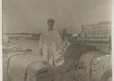"""1932 21 07 """"le Bidon d'Or"""" Film de Christian-Jaque (Cordy, Dac, Martel) à Montlhéry. Bodoignet, C.A. Martin (mon Père au milieu) et Raph assis devant le 1er Amilcar MCO,GH. n°46. 2"""