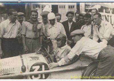 1933 03-05 06, Bol d'Or, 1er de Gavardie Amilcar MCO GH. Devant mon père (C.A. Martin) un accident l'oblige à grimper sur le bas côté, l'Amilcar se retourne mon père dessous. 5