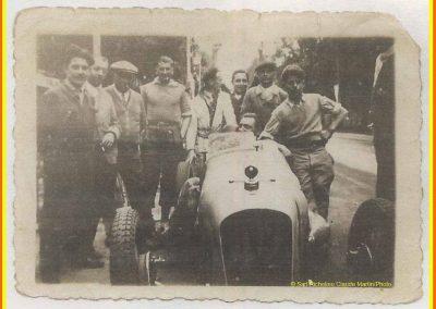 1933 03-05 06, Bol d'Or, 1er de Gavardie Amilcar MCO GH. km. devant mon père, un accident l'oblige à grimper sur le bas côté, l'Amilcar se retourne sur mon père. 3