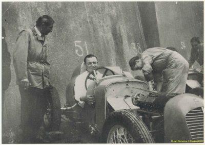 1946 09 06 Circuit de Saint Cloud, Inauguration de l'Autoroute de l'Ouest, Amilcar MCO 1500, C.A. Martin n° 51, Louveau Maserati. 04
