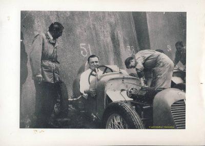 1946 09 06 Circuit de Saint Cloud. Coupe du Conseil Municipal. Inauguration de l'Autoroute de l'Ouest en présence du Général de Lattre de Tassigny. C.A. Martin Amilcar n°51 MCO 1500cc 3