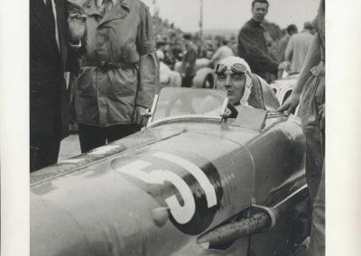 1946 09 06 Circuit de Saint Cloud. Coupe du Conseil Municipal. Inauguration de l'Autoroute de l'Ouest en présence du Général de Lattre de Tassigny. C.A. Martin Amilcar n°51 MCO 1500cc 4