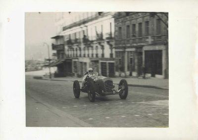 1946 09 06 Circuit de Saint Cloud. Coupe du Conseil Municipal. Inauguration de l'Autoroute de l'Ouest en présence du Général de Lattre de Tassigny. C.A. Martin Amilcar n°51 MCO 1500cc 6