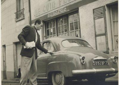 1950 05 06 la Simca Aronde de Grégory Pecq vendue par la Concession Simca au Pecq. 1