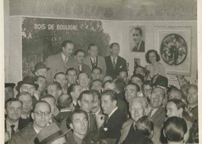 1960 Soirée à l' AGACI, de G. à D., Chinetti, jeff, Savoye, C.A. Martin, Vernet (moustache), Scaron, Darl'Mat, Géo Ham, Lallemant, 1