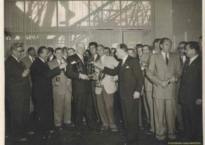 1960 Soirée à l'AGACI, de G à D, Veuillet (costume clair), Grignard, Gérard, Mestivier (Champagne à la main), Giraud Cabantous (dernier à D.), 1