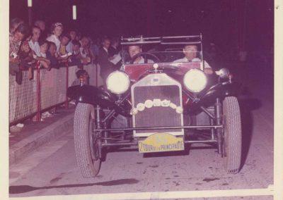 1976 6-11 07 2ème tour de Monaco. Mon père accompagnant Mr Baumgartner avec sa Lancia Lambda 1925. 2_
