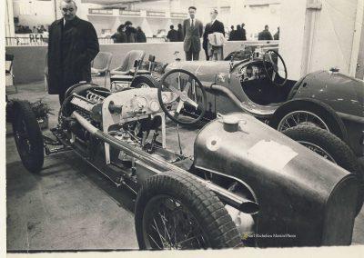 1985 C.A. Martin et Philippe Charbonnaux au Salon devant la MCO 1500cc